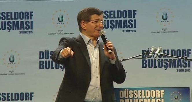 Davutoğlundan HDPye sert sözler: Kandile doğru konuşunca kulaklarını çekiyorlar
