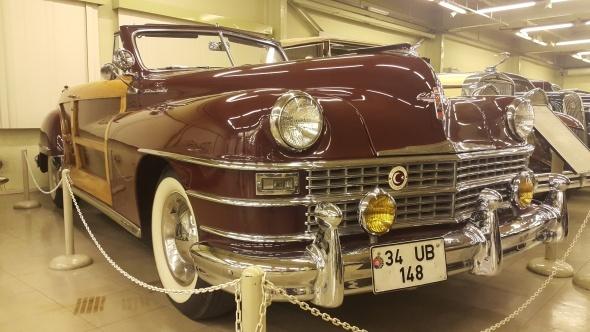 Klasik otomobil müzesi ziyaretçilerini hayran bıraktı