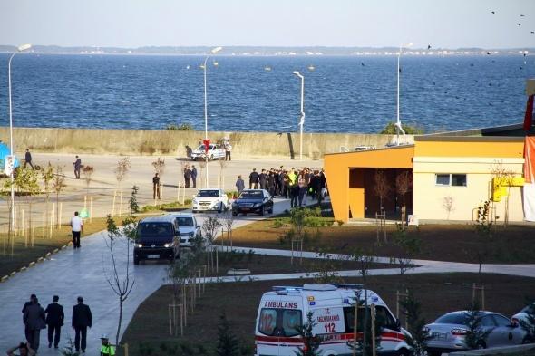 Başbakan Davutoğlu denize açıldı