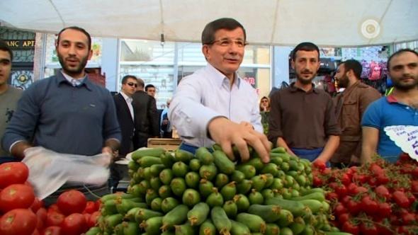 Başbakan Davutoğlu pazarcı oldu