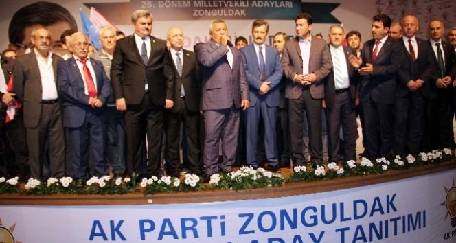 MHP'de deprem! 100 ki�i ile AK Parti�ye ge�ti