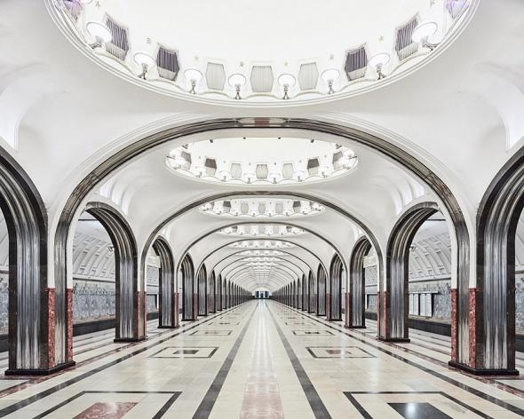 Tasarım harikası Moskova metrosu