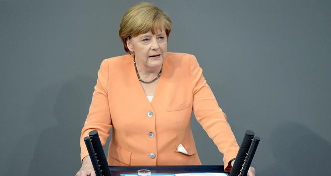 Merkel Türkiyeye karşı tavrını açıkladı
