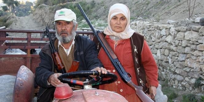 Bayırbucak'ta Türkmen kadınları da silahlandı