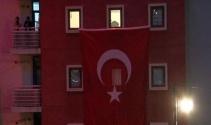 Şehit polisin Ankara'daki baba evine ateş düştü