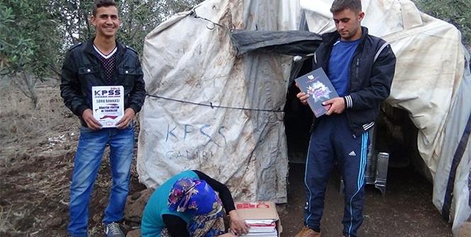 Tarlaya kurdukları 'KPSS çadırı'nda sınava hazırlanıyorlar
