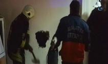 Asansör boşluğuna düşen işçi duvar kırılarak kurtarıldı