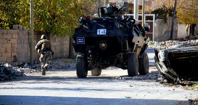 Güvenlik güçlerinden Cizredeki PKK militanlarına kaçışınız yok mesajı