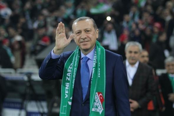 Açılış maçının başlama vuruşu Cumhurbaşkanı Erdoğan'dan