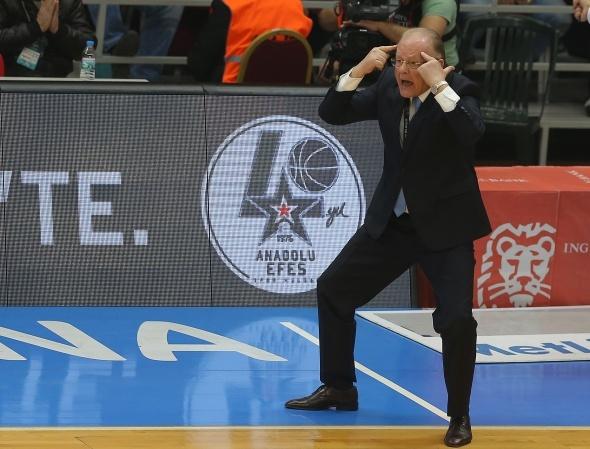 Anadolu Efes: 93-84 Fenerbahçe