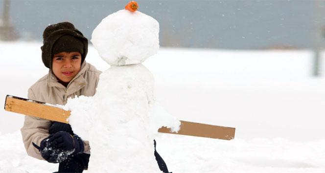 Van Başkalede okullara kar tatili
