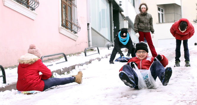 Edirnede okullar tatil edildi mi? Valilik açıkladı