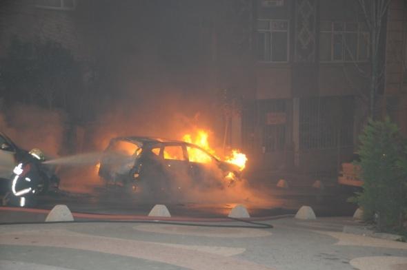 Ambulans, alev alev yandı!