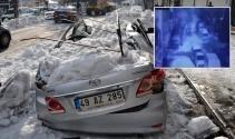 Kar kütlesinin altında böyle kaldı!