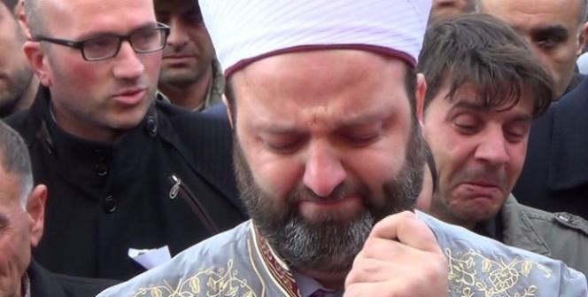 Şehidin cenazesinde müftü gözyaşlarına boğuldu