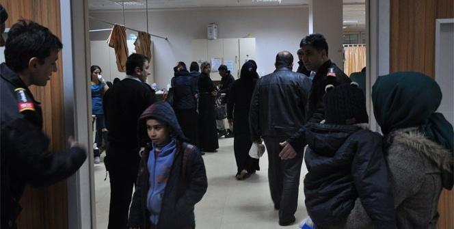 Suriyelileri taşıyan hasta nakil aracı kaza yaptı: 15 yaralı