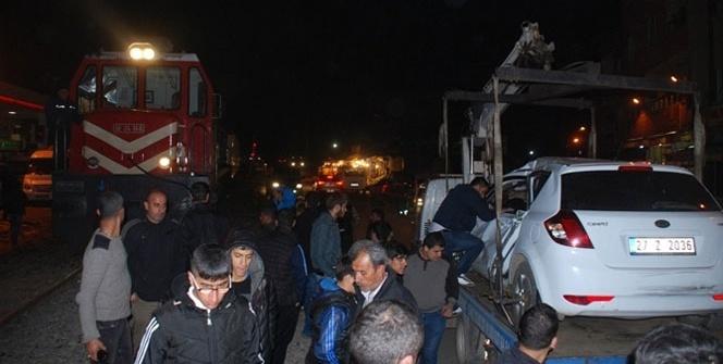 Yolcu treni otomobili biçti: 2 yaralı