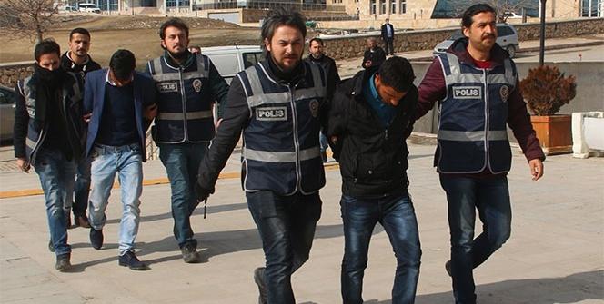 Polisin dikkati öğretmenin 250 bin lirasını kurtardı