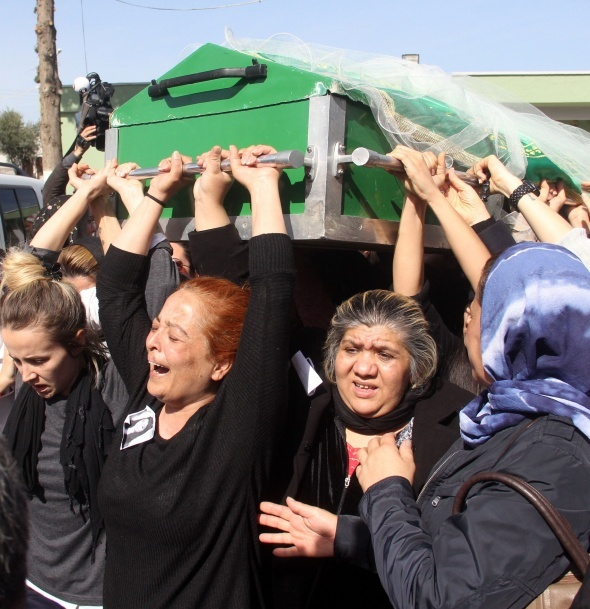 Platonik aşık kurbanı Türkan'ın tabutunu kadınlar taşıdı