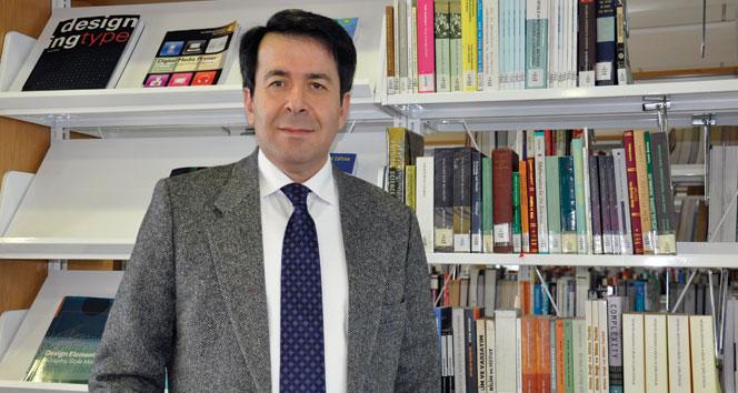 """Prof. Dr. Hasan Ünal: """"Merkel, Türkiyenin gönlünü almaya çalışıyor"""""""