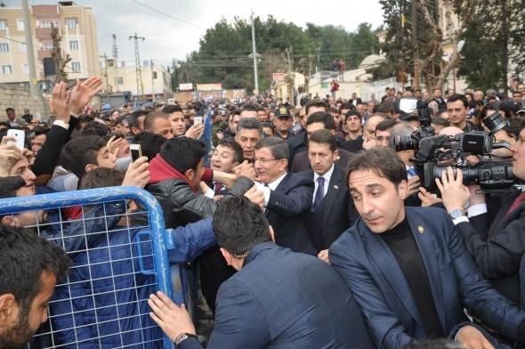 Davutoğlu cuma namazını Silopi'de kıldı