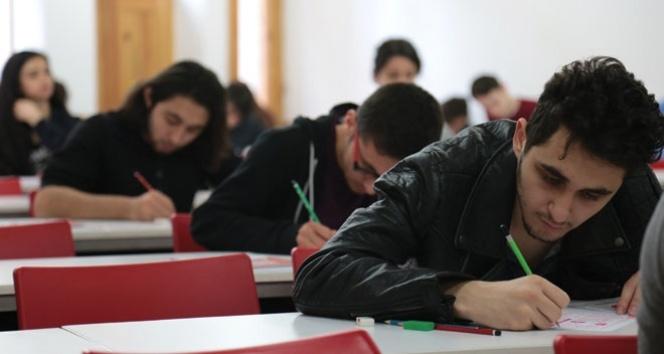 Sınav kaygısı öğrencileri olumsuz etkiliyor