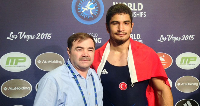 Dünya Şampiyonu Taha Akgül, şampiyonadan çekildi