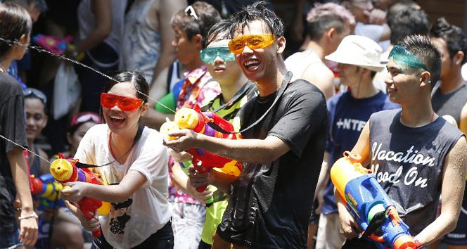 Taylandda katliam gibi festival: 259 ölü
