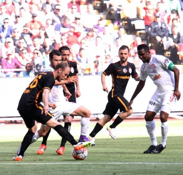 Antalyaspor-Galatasaray maçından kareler