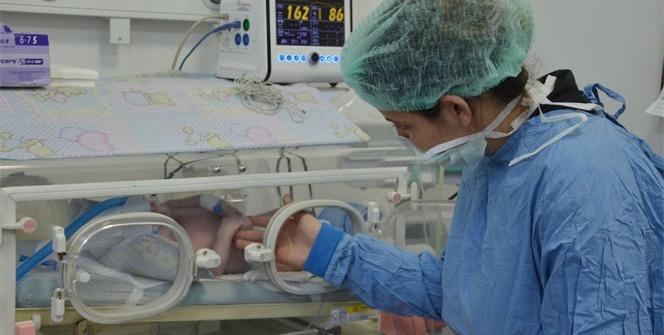 Bebekleri için 'Umut'la beklerken 'Can' dostu oldular