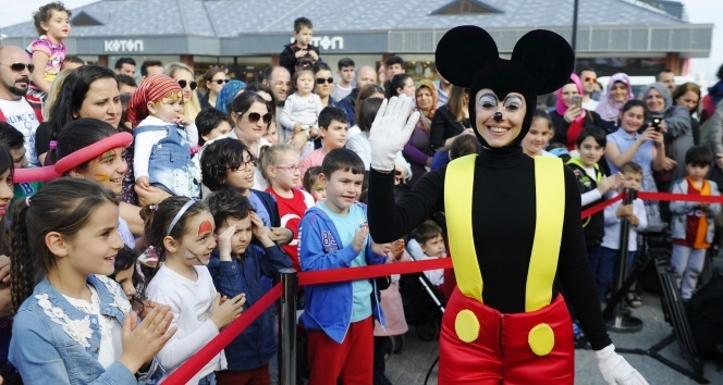 Dünyaca ünlü Crazy Bubble Show Viaport Marinada