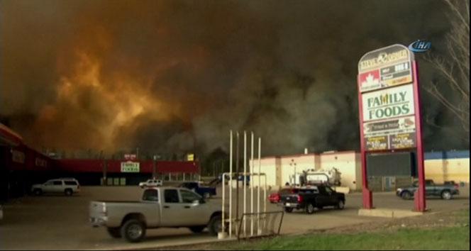 Kanadada orman yangını:  60 bin kişi tahliye edildi