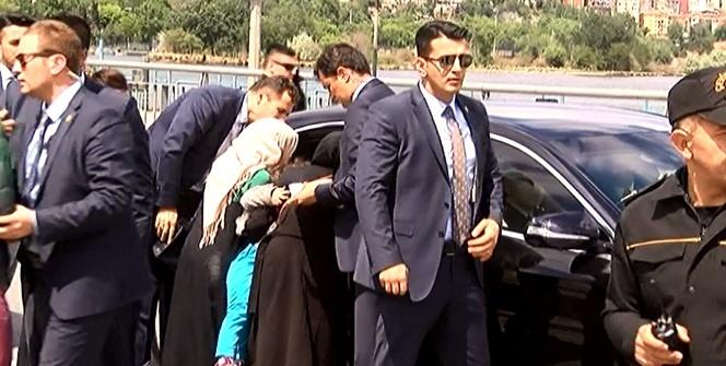 Cumhurbaşkanı Erdoğan'ı görmek için birbirleriyle yarıştılar