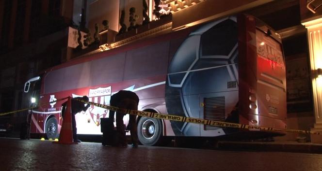 Bandırmaspora ait takım otobüsü kurşulandı