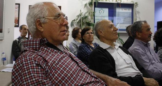 Türkiyenin en yaşlı üniversite öğrencileri ders başı yaptı