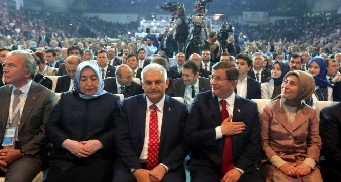 Binali Yıldırımın imdadına Sare Davutoğlu yetişti