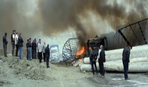 PKKlılar yol kesip araçları ateşe verdi