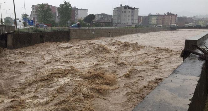 Meteorolojiden çığ ve sel uyarısı