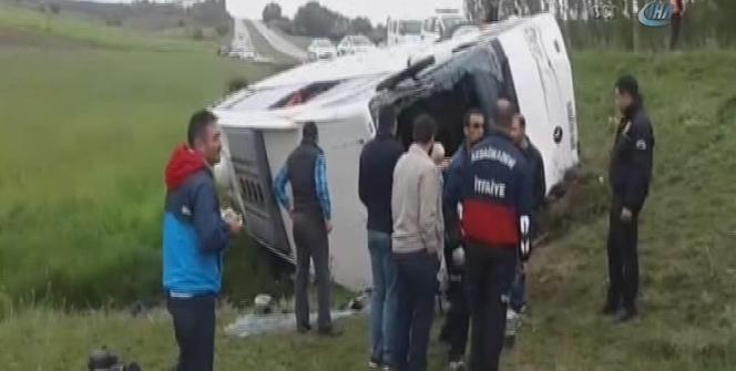Yozgat'ta otobüs devrildi: 40 yaralı