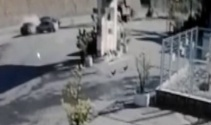 İki otomobil çarpıştı: Kaza anı kamerada
