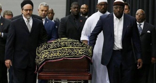 Muhammed Alinin tabutunu taşıyan tek Türk