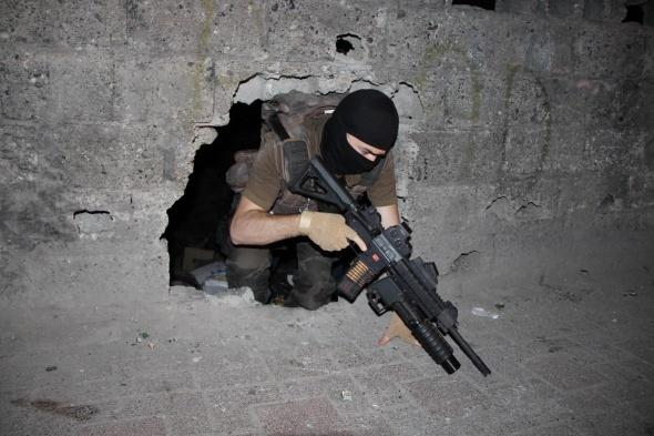Diyarbakır'da 500 polisle dev huzur operasyonu