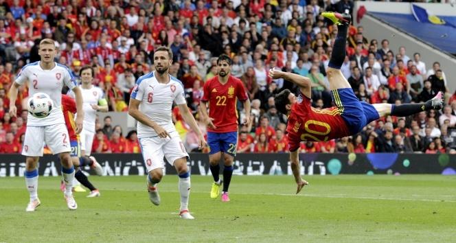 İspanya 1 - 0 Çek Cumhuriyeti 13 Haziran Euro 2016 Geniş Maç Özeti İzle