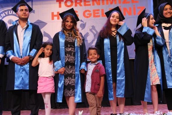 Esenyurt Üniversitesi, ikinci mezunlarını verdi
