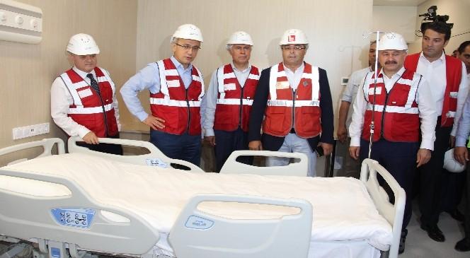 """Elvan: """"Türkiye'nin İlk Şehir Hastanesini Mersin'de Açıyoruz"""""""
