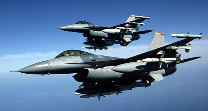 Kuzey Irakdaki ve Lice kırsalındaki bölücü terör örgütü hedeflerine savaş uçakları bomba yağdırdı