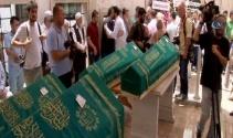 Acılı baba terör saldırısında ölen dört evladını toprağa verdi