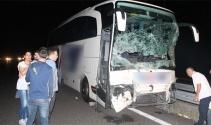 Kaza yapan komyonete, yolcu otobüsü çarptı: 4 yaralı