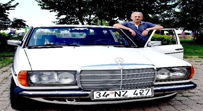 Kemal Sunal'ın Mercedesi'ne gözü gibi bakıyor