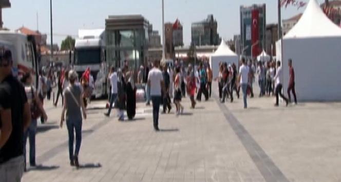 Taksim Meydanı bomba araması için boşaltıldı